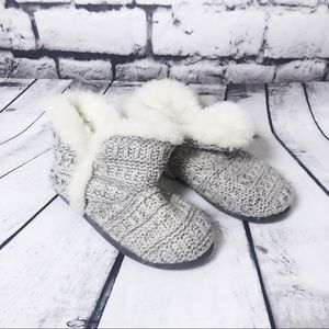 AEROSOLES Gray Knit Slippers with Inner Faux Fur